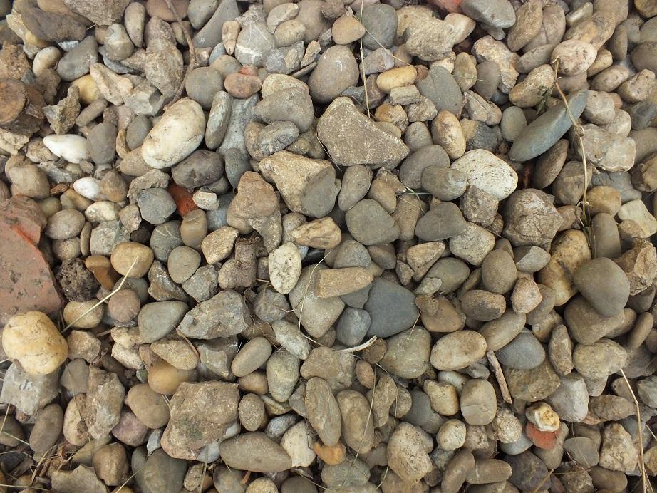 Ściółkowanie gleby kamieniami